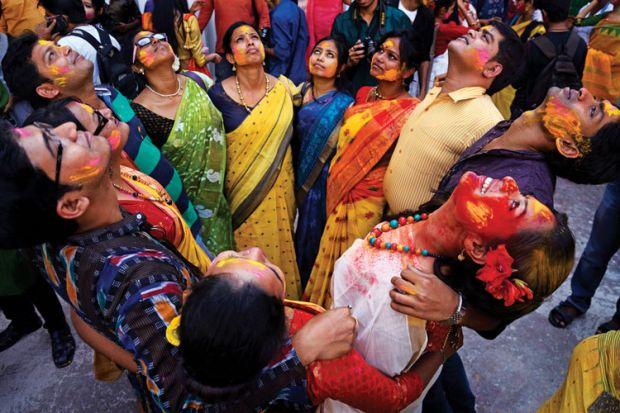 Rabindra Bharati University students forming circle, Holi Festival