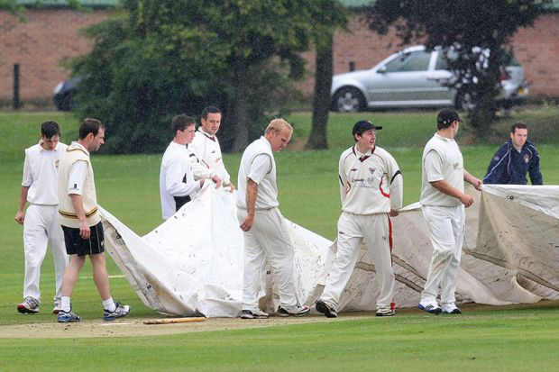 Rain delays play in cricket