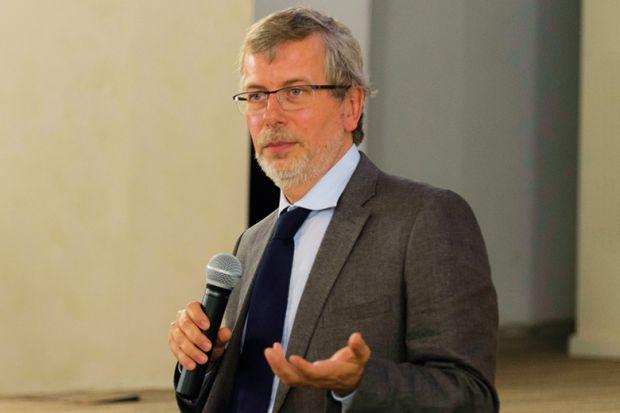 Renaud Dehousse, European University Institute (EUI), Sciences Po, Paris