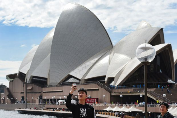sydney-opera-house-selfie