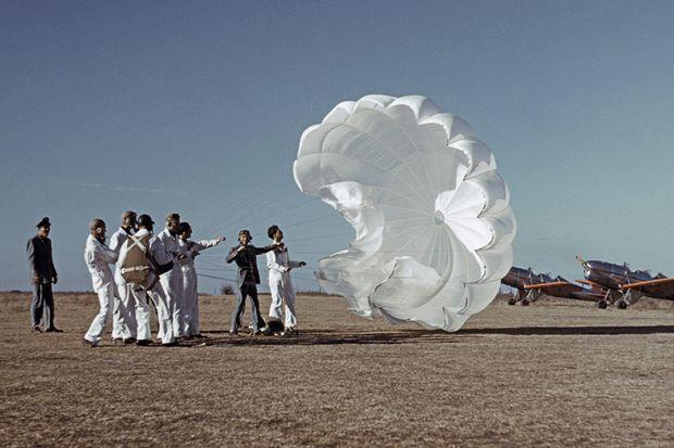 Testing a parachute