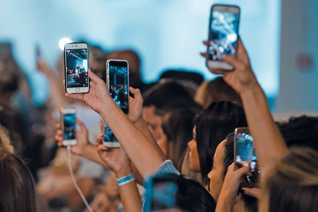 group film on mobile phones