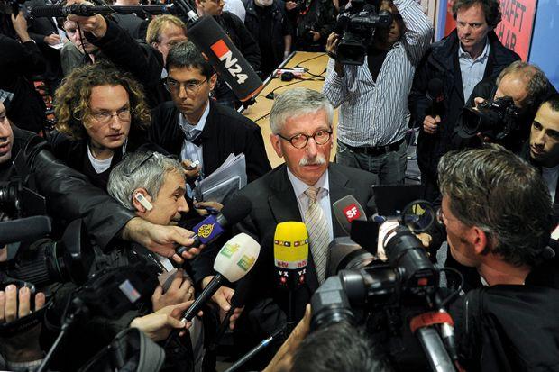 Thilo Sarrazin Presents his book 'Deutschland Schafft Sich Ab'