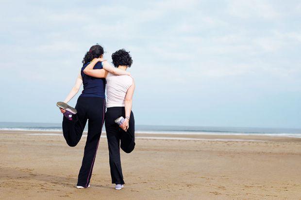 women-beach-runners